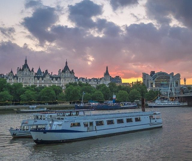 must visit travel places in London
